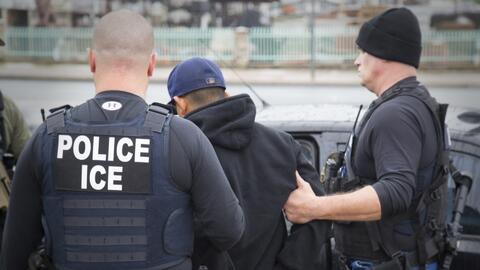 En video: 680 detenidos en redadas de ICE en seis ciudades de EEUU
