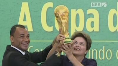 Dilma Rousseff dice que Brasil sí está listo para el país, aunque las cr...
