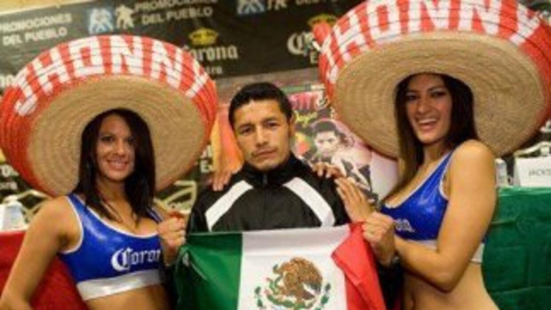 Jhonny llegó a Cancún para pelea contra Rojas (Foto: Facebook)