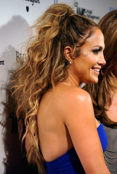 Jennifer Lopez usa las que van pegadas al cuero cabelludo, lo que le ha...