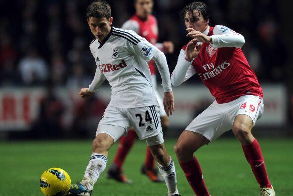 Sin embargo, Swansea también ganó confianza y se hizo con el dominio del...