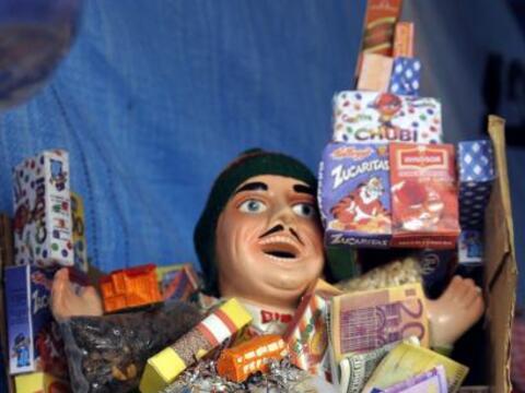 Como parte de la Feria Alasita 2011 se lleva a cabo la fiesta del Ekeko,...