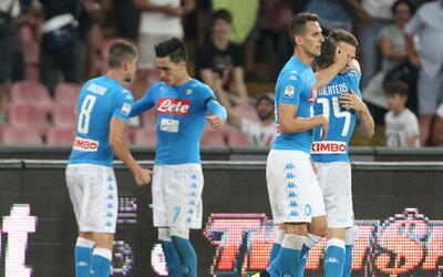 Nápoles venció 4-2 al Milan