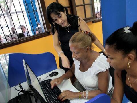 Más de 100 mil cubanos contrataron diversos servicios de Internet...