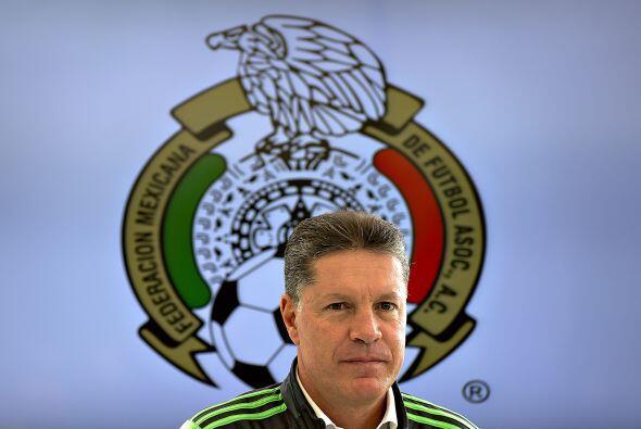 también se presentó Ricardo Peláez para trabajar ah...