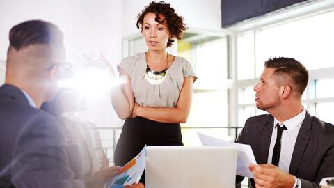 ¿Por qué todavía existe la desigualdad salarial entre hombres y mujeres?
