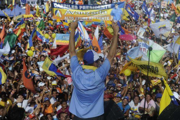 """Se mostró """"orgulloso"""" del pueblo venezolano, porque hoy son """"miles y mil..."""