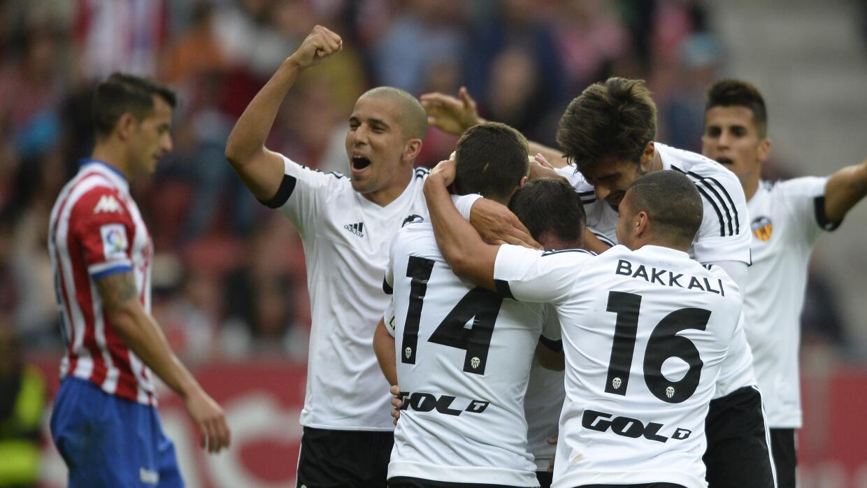 Valencia celebra el gol de Paco Alcácer