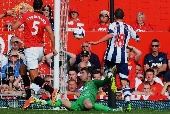 Morgan Amalfitano hizo el primer gol del West Bromwich en esta jugada.