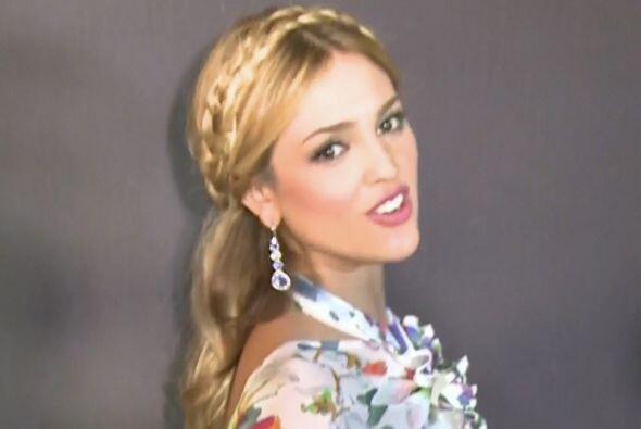 Otra que está en la fina línea de ser linda o fea, es Eiza González. Más...