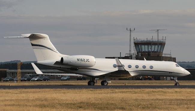 El Gulfstream V de Jim Carrey puede llevar 16 personas, y cuesta unos 60...