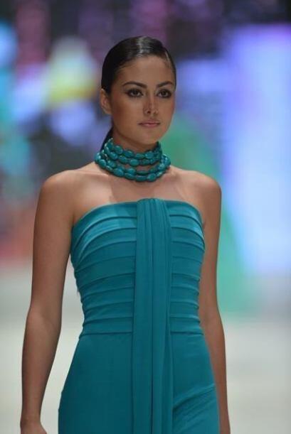 Su prima Paola Turbay fue Miss Colombia en 1991.