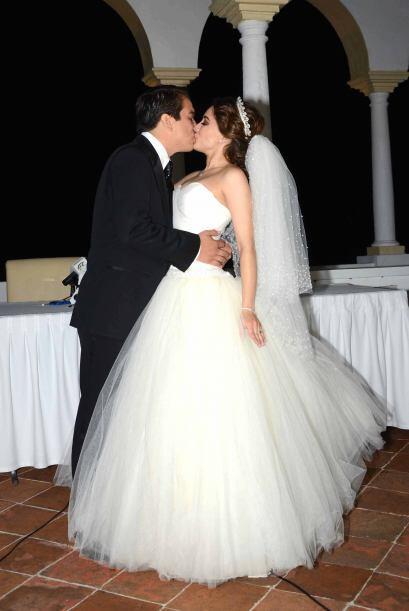 Por fin se casó por la iglesia con Gerardo Islas.