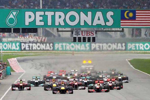 Vettel salió desde la 'pole position' por segunda vez en dos carreras de...