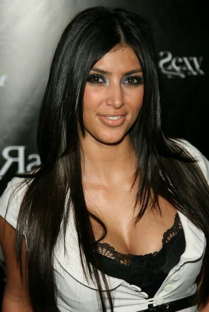 Kim es hija del abogado Robert Kardashian, quien mantuvo a su familia de...