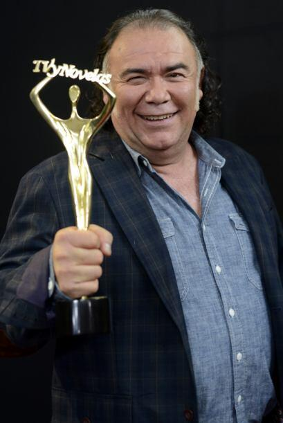 Jesús Ochoa como Mejor Primer Actor por Libre para amarte.