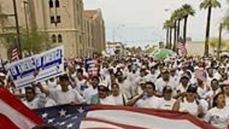 La mayoría de los estadounidenses aprueba la reforma migratoria amplia 7...