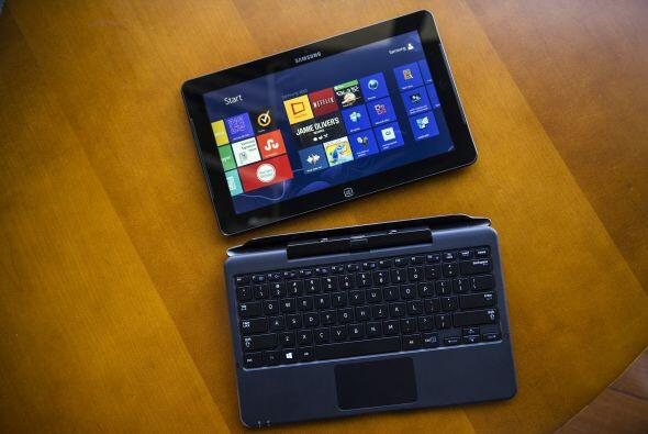 De Hewlett-Packard Co., este modelo Envy x2 es una tablet de 2 GB de mem...