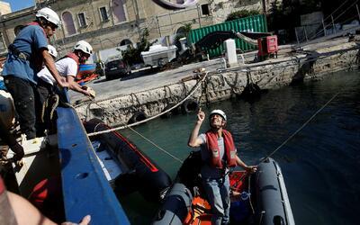 Al menos 2,000 migrantes fueron rescatados en el mar Mediterráneo