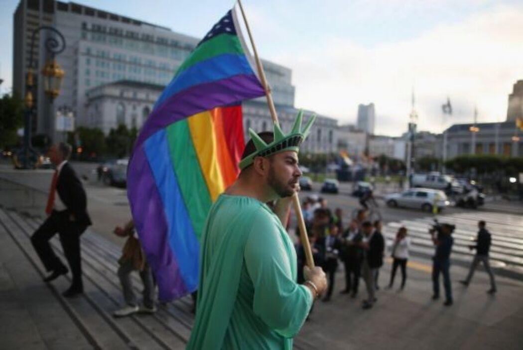 La decisión del Supremo abre el camino para que las bodas homosexuales v...