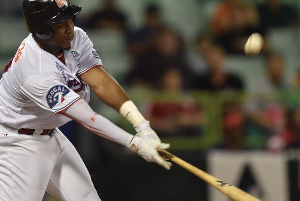 Un hit de oro de Elián Herrera con bases llenas dejó tendido al campo a...
