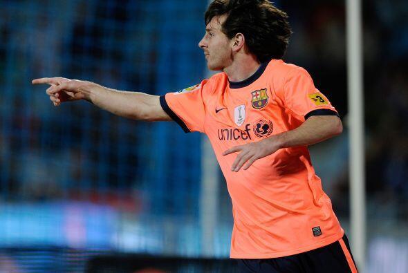 El argentino Lionel Messi, máximo goleador del club catalán, abrió el ma...