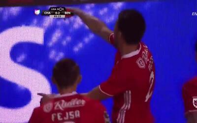 Goooolll!! Luís Miguel Afonso mete el balón y marca para Benfica