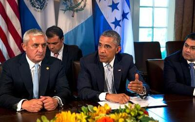 Cumbre presidencial en la Casa Blanca debate tema de niños que cruzan la...