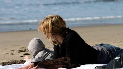 Las madres deprimidas tienden a ocultar su malestar, minimizando o consi...