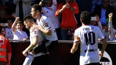 El español Negredo convirtió el gol de la diferencia ante el 'Geta'.