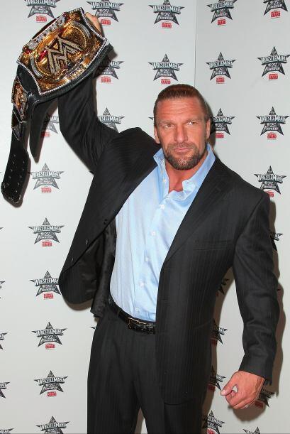 Empezó su carrera luchística en 1994 en la WCW. Un año más tarde, ingres...