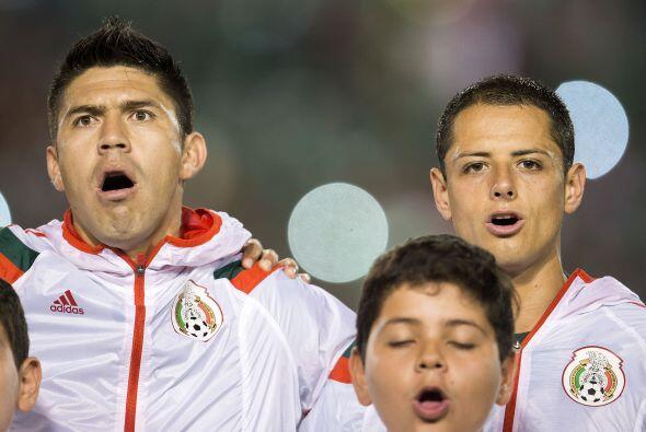 3.- Los líderes están con él.- Ochoa, 'Chicharito', Guardado, Giovani, M...