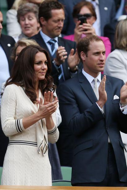 Ambos vistieron impecables durante el torneo. La duquesa lució un vestid...