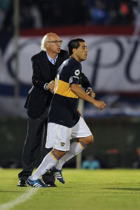La sociedad vuelve a funcionar, Carlos Bianchi y Juan Román Riquelme, té...