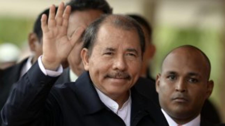 Daniel Ortega felicitó a 'Chocolatito' González.