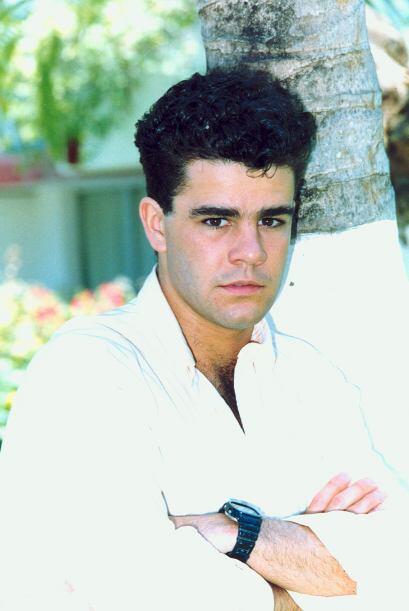 Era un actor y cantante famoso del que se enamoraban todas las adolescen...