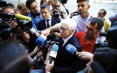 El abogado de Lionel Messi, Enrique Bacigalupo, a su llegada a la Audie...