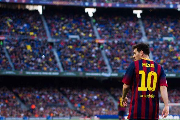Messi solo tiene 26 años. Así que, o el club se sienta con...