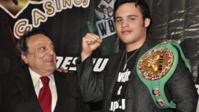 Julio César Chávez jr expondrá su cinturón ante Ronald Hearns.