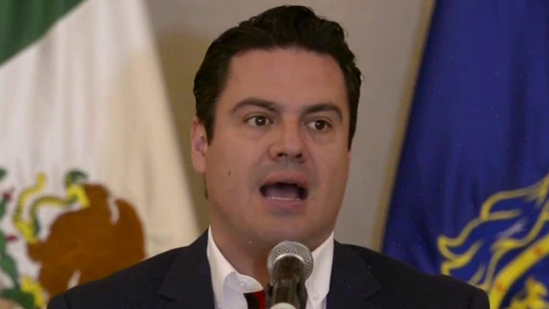 Gobernador de Jalisco promete ayudar con trabajo a compatriotas deportad...