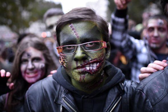 En Serbia, otros zombis se reunieron para la tradicional caminata.