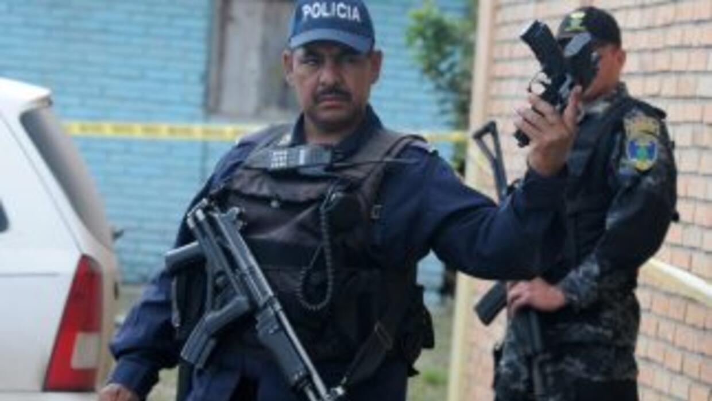 Un sacerdote denunció que víctima de tortura por parte de policías de Ho...