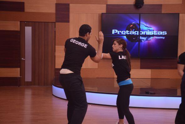 Laura y George sacaron su fuerza caribeña en el ejercicio.