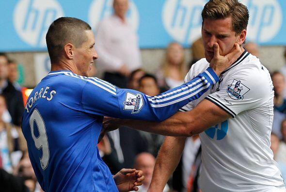 También cariño entre Fernando Torres y Villas Boas.