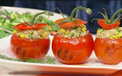 El chef Juan Mondragón presenta una cena deliciosa para cuatro personas...