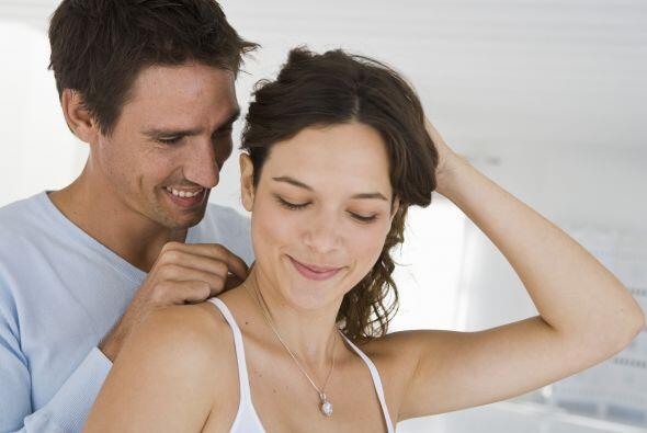 Una linda joya puede provocar una sincera sonrisa de agradecimiento.  La...