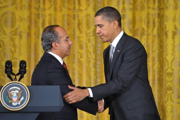 Los presidentes Felipe Calderón y Barack Obama sostuvieron una rueda de...