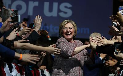 Clinton celebra victoria en Nueva York con música de Jay-Z