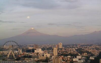 En Video: la luna se esconde detrás del Popocatépetl