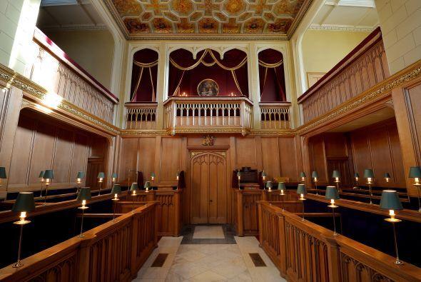 El primer hijo de Kate y William fue bautizado en el palacio de St. Jame...